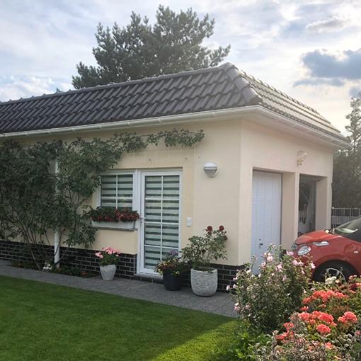 Fassadenbeschichtung einer Garage/Carport