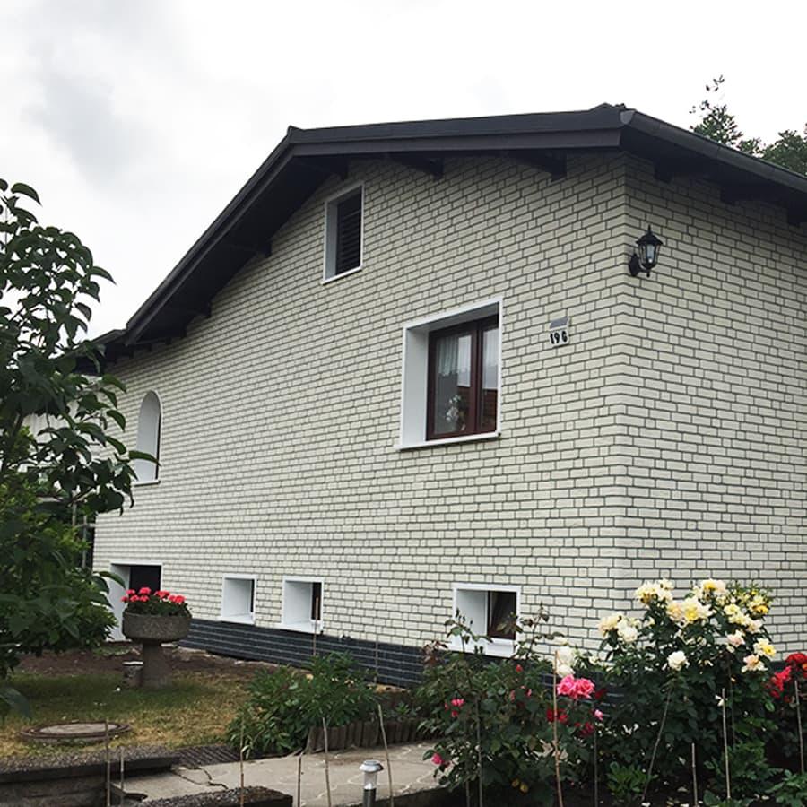 Vorgehängten Fassade von PROFATEC® nach  der baulichen Fertigstellung
